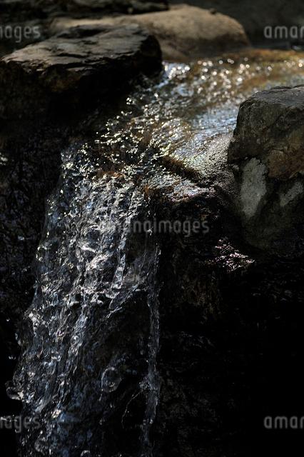 流れる水の写真素材 [FYI01643482]