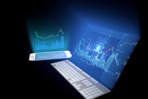 パソコンとスマートフォンと株価のイラスト素材 [FYI01643862]