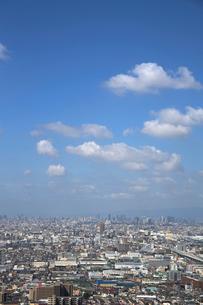 東大阪から望む大阪市の街並みの写真素材 [FYI01644435]