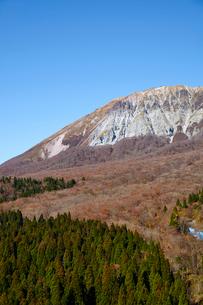鍵掛峠より望む大山の写真素材 [FYI01644848]