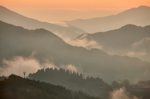 国見ヶ丘からの夜明けの写真素材 [FYI01645045]