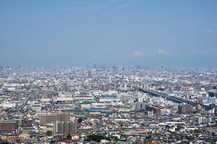 東大阪から望む大阪市の街並みの写真素材 [FYI01645279]
