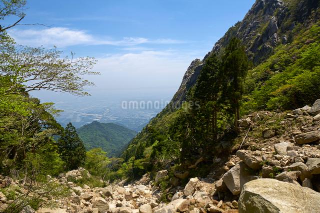 御在所岳登山道からの眺めの写真素材 [FYI01645310]