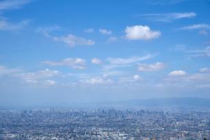 東大阪から望む大阪市の街並みの写真素材 [FYI01645578]