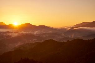 国見ヶ丘からの夜明けの写真素材 [FYI01645579]