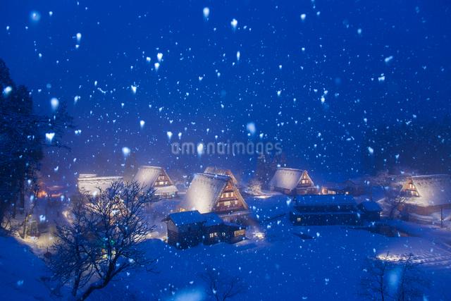 五箇山の夜景の写真素材 [FYI01645752]