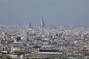東大阪から望む大阪市の街並みの写真素材 [FYI01645942]