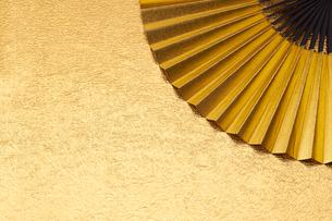 金の扇子の写真素材 [FYI01645961]