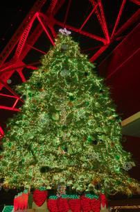 東京タワーライトアップとクリスマスイルミ夜景の写真素材 [FYI01646646]