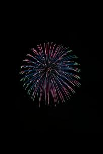 土浦全国花火競技大会の創造花火でdisco ballの写真素材 [FYI01647192]