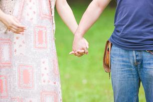 妊婦と夫の写真素材 [FYI01647947]