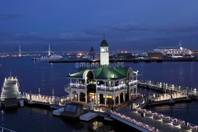 横浜の観光桟橋の写真素材 [FYI01648753]