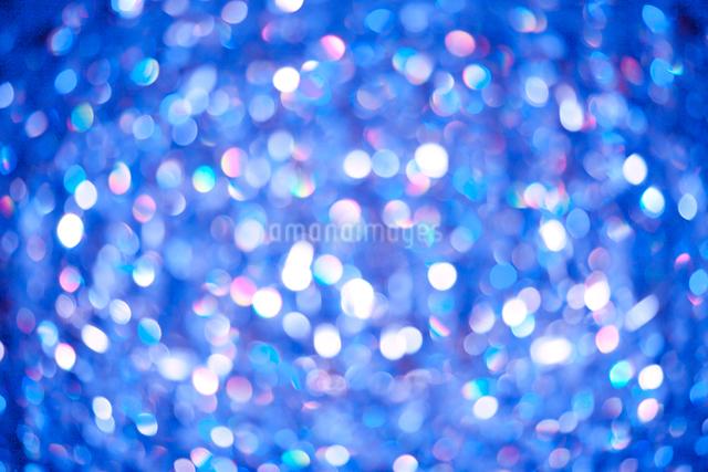 ブルーの光が綺麗なバックの写真素材 [FYI01649119]