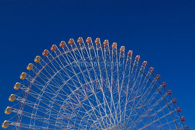 観覧車と青空の写真素材 [FYI01649148]