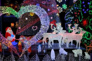 クリスマスイルミネーションの写真素材 [FYI01650149]