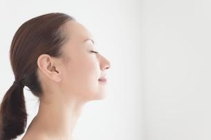 日本人女性のビューティイメージの写真素材 [FYI01650894]