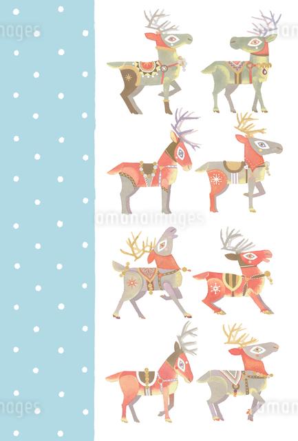雪のクリスマス サンタクロースを待つ8頭のトナカイたちのイラスト素材 [FYI01652791]