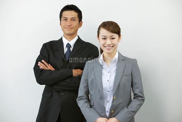 ビジネスマンとビジネスウーマンの写真素材 [FYI01653023]