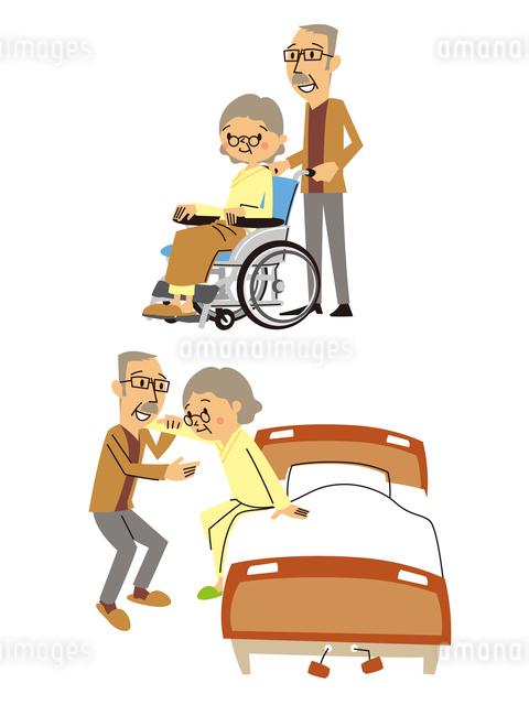 高齢者夫婦の介護/シニア女性(車いす、ベッド補助)のイラスト素材 [FYI01654815]