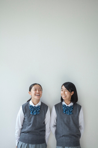 笑顔の女子学生の写真素材 [FYI01655321]