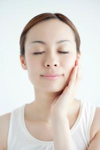 日本人女性のビューティイメージの写真素材 [FYI01655680]