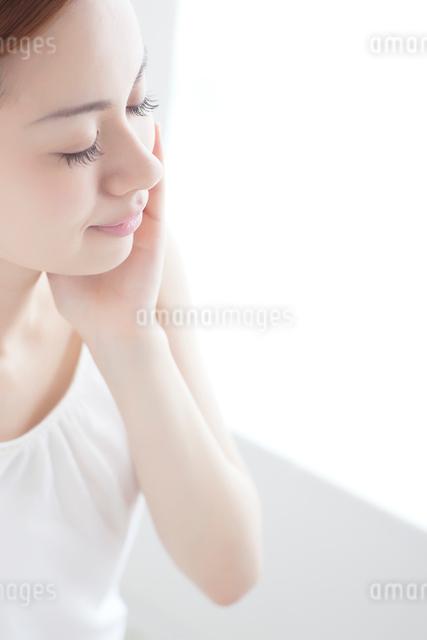 日本人女性のビューティイメージの写真素材 [FYI01656013]