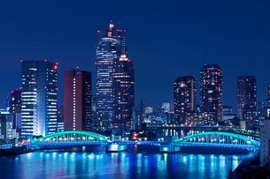 隅田川とかちどき橋夜景の写真素材 [FYI01656673]