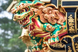 日光東照宮 陽明門の彫刻 (平成の大修理完成後)の写真素材 [FYI01656906]