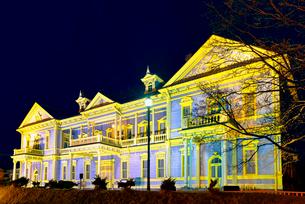旧函館区公会堂 夜景の写真素材 [FYI01657019]