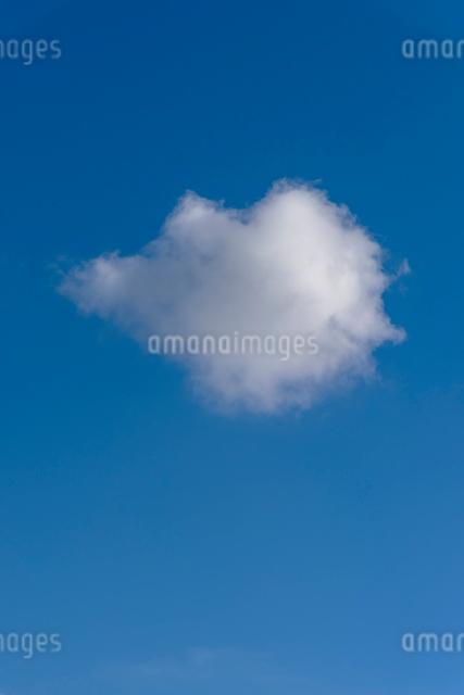 青空と雲の写真素材 [FYI01657466]