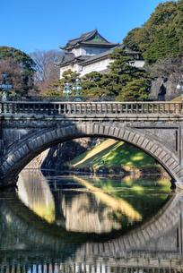 皇居の二重橋の写真素材 [FYI01657701]