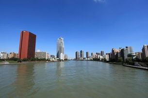 勝鬨橋から上流を見るの写真素材 [FYI01658398]