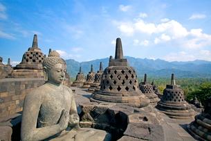 インドネシア ジャワ島 ボロブドゥール遺跡の写真素材 [FYI01660232]
