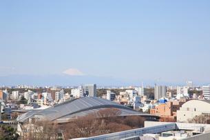 東京都体育館と富士山の写真素材 [FYI01660417]