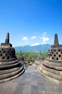 インドネシア ジャワ島 ボロブドゥール遺跡の写真素材 [FYI01660428]