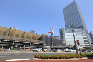 東京駅八重洲口前の写真素材 [FYI01660775]
