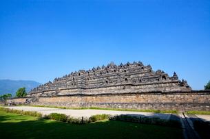 インドネシア ジャワ島 ボロブドゥール遺跡全景の写真素材 [FYI01660854]