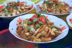 屋台の麺料理 ヤンゴンの写真素材 [FYI01661159]