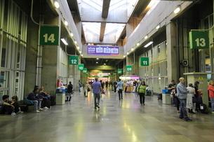 長距離バスターミナルの写真素材 [FYI01661398]