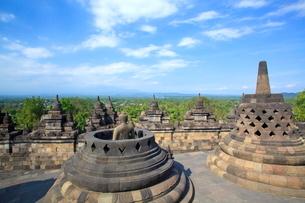 インドネシア ジャワ島 ボロブドゥール遺跡の写真素材 [FYI01661410]