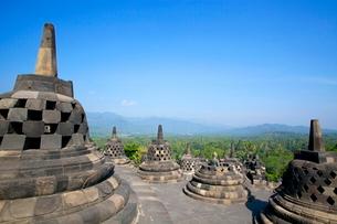 インドネシア ジャワ島 ボロブドゥール遺跡の写真素材 [FYI01661487]
