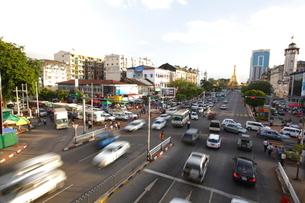 ヤンゴン市内の写真素材 [FYI01661653]