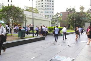 シンガポール ビジネス街の通勤 の写真素材 [FYI01661820]