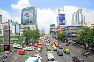 バンコク市内の車の渋滞の写真素材 [FYI01661907]