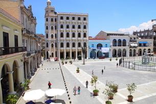 アルマス広場 ハバナ旧市街の写真素材 [FYI01662012]