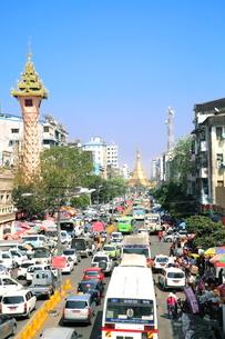 ミャンマー ヤンゴンの写真素材 [FYI01662215]
