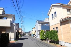 新興住宅街の家並みの写真素材 [FYI01662372]
