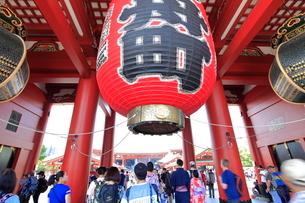 浅草寺宝蔵門の写真素材 [FYI01662970]