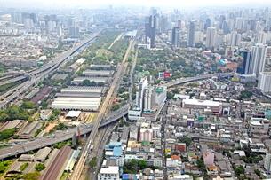 バイヨックスカイから見たバンコク市内の写真素材 [FYI01663060]