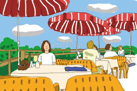 旅行先のカフェでくつろぐ女性のイラスト素材 [FYI01664152]